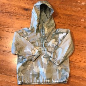 Kids camo windbreaker